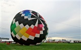 Title:Colorful hot air balloons during inflation 02 Views:3475