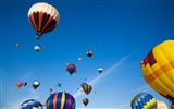 Title:Colorful hot air balloons in sky 01 Views:6233