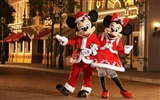 Title:Mickey and Minnie dressed as Santa Claus and Christmas will be her mother wallpaper Views:60466