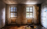 Title:Urban Exploration-Light coming through the windows Views:4860