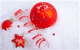 Title:Merry Christmas - Christmas tree decoration ball ornaments Wallpaper 06 Views:6011