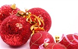 Title:Merry Christmas - Christmas tree decoration ball ornaments Wallpaper 08 Views:13004