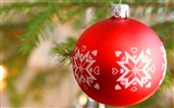 Title:Merry Christmas - Christmas tree decoration ball ornaments Wallpaper 11 Views:14113