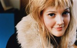Title:Drew Barrymore wallpaper Views:9770