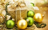 Title:Merry Christmas - Christmas decoration ball wallpaper Views:14017