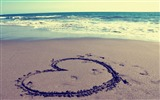 Title:heart on beach-love wallpaper pictures Views:21009