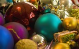Title:A bunch of Christmas ornaments wallpaper Views:4883