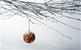 Title:Christmas balls wallpaper snow Views:4901