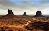 Title:monumental simplicity-Amazing desert scenery Desktop Wallpapers Views:6844
