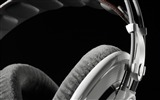 Title:headphones close up-music fashion Desktop Wallpaper Views:10193