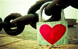 Title:Love chain-Valentines Day theme desktop picture Views:5265