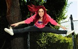Title:happy redhead girl jumping-Sexy beauty HD photo wallpaper Views:10784