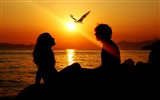 Title:romantic couple sunset-Valentines Day theme desktop picture Views:50055
