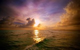 Title:maldivian sunset-Natural landscape wallpaper Views:4616