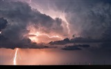 Title:thunderstorm lightning-Natural scenery wallpaper Views:10779