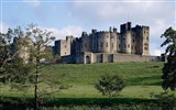 Title:castle on a hill-England Landscape Wallpaper Views:6592