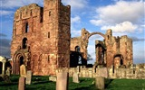 Title:lindisfarne priory-England Landscape Wallpaper Views:4511