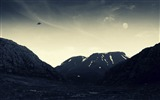 Title:UFO flying-Vintage style wallpaper Views:10394