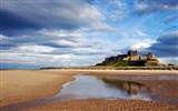 Title:Bamburgh Castle Bamburgh Northumberland England-Nature Landscape Wallpapers Views:4621