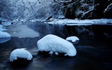 Title:forest river in winter-winter natural landscape wallpaper Views:5336