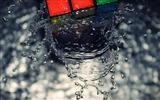 Title:rubiks wave-Water close up photography wallpapers Views:4098