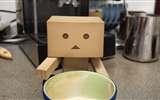 Title:cup drink waiting-Danboard boxes robot photo HD Wallpaper Views:3804