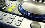 Title:dj turntables music installation-Digital products HD widescreen Wallpaper Views:4541