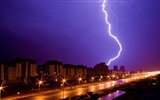 Title:street night rain lightning-City travel photography wallpaper Views:3759