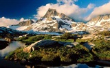Title:frozen peaks and clouds-Summer scenery wallpaper Views:2840