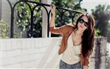 Title:girl with sunglasses-Girl HD Photo Wallpaper Views:4666
