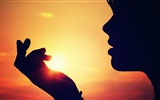 Title:the sun in her palm-Love HD Wallpaper Views:1817