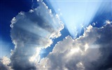 Title:Sunshine through the clouds-Linux Mint 15 Olivia HD Wallpaper Views:5359