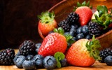 Title:blueberries blackberries-Food HD Wallpaper Views:3297