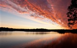 Title:clouds reflecting sunset light-Landscape HD Wallpaper Views:2925