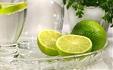 Title:lime citrus fruit glass tray-Food HD Wallpaper Views:5981
