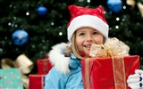 Title:Cute kids Merry Christmas Holiday Wallpaper Views:6237