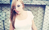 Title:blonde girl glasses look-Model photo HD wallpaper Views:3023