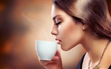 Title:brunette girl coffee drink couples-Model photo HD wallpaper Views:3808