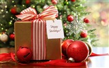 Title:christmas present-Holiday theme HD Wallpapers Views:2620