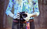 Title:girl camera canon-Brand desktop wallpaper Views:1707