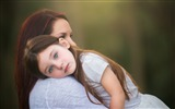 Title:mother and daughter-Photo HD Wallpaper Views:5165