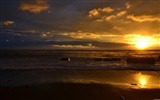 Title:Golden Sunset-Windows 8 Theme Wallpaper Views:2111