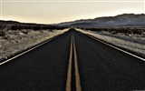 Title:End of the Road Death Valley-Windows Theme Wallpaper Views:4246