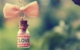 Title:Hanging Love-High quality wallpaper Views:1833