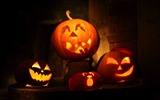Title:2014 Halloween pumpkins theme wallpaper Views:5229