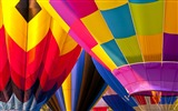 Title:Colored hot air balloon-Windows Theme Wallpaper Views:2482