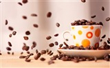 Title:Cup Of Coffee Beans-High quality wallpaper Views:2030