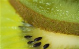 Title:Kiwi slices-Windows 10 HD Wallpaper Views:3145