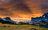 Title:Alpine huts under-iMac System Scenery HD Wallpaper Views:1617