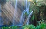 Title:Spring Plitvice Lakes National Park-Windows 10 Wallpaper Views:1596